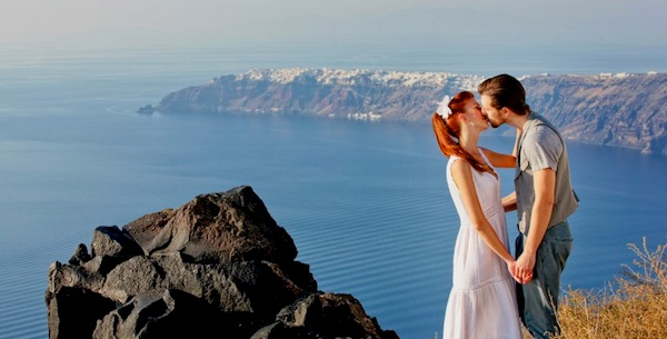 Spots for honeymoon in greece