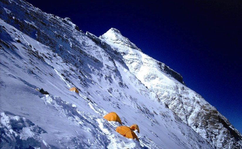 Mount Everest, Challenges for a Traveller